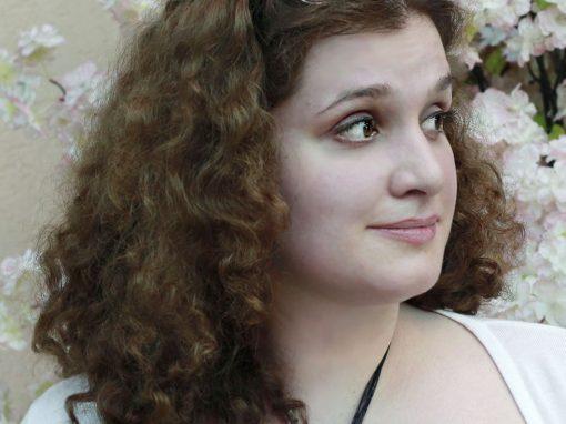 Эмма Каирова. Профессиональный переводчик, редактор. Директор проекта